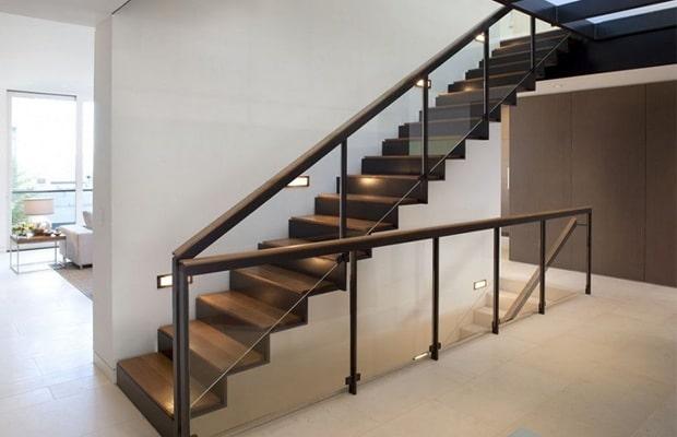 Revêtir des escaliers modernes