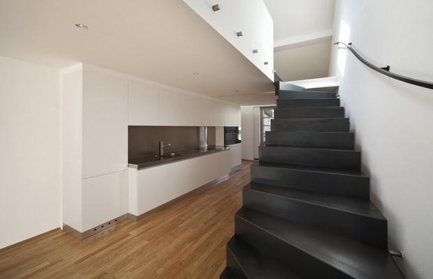 Escalier en acier plié