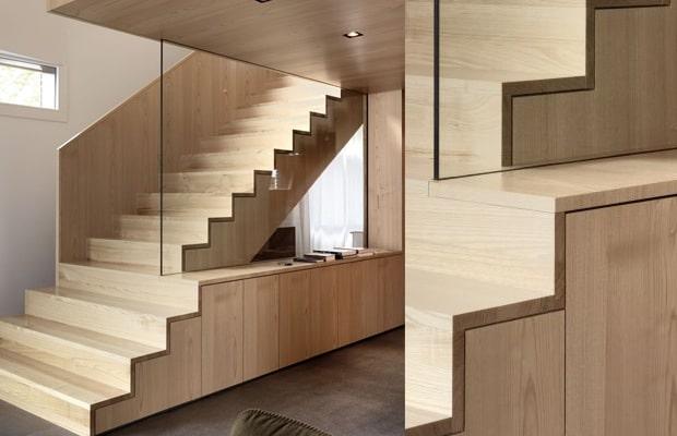 Escalier avec des placards