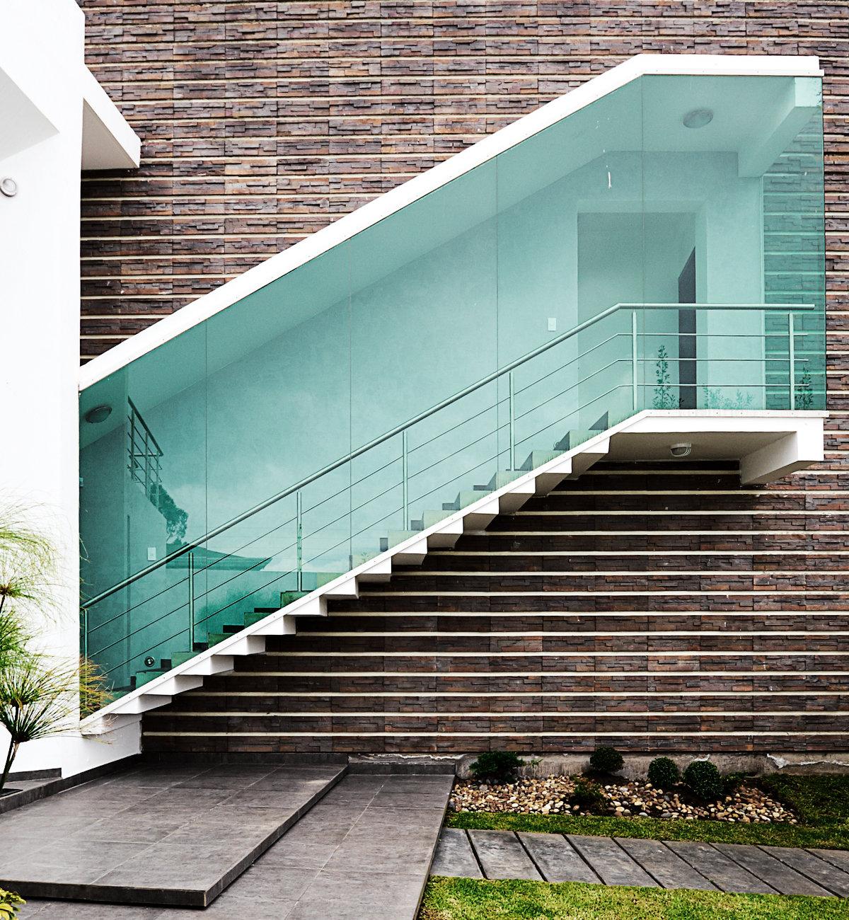 Escalier extérieur fermé