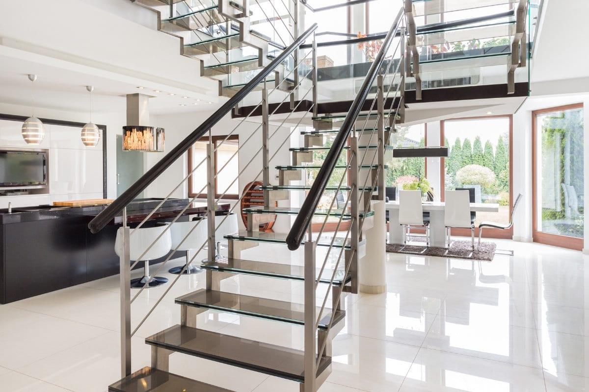 escalier ouvert lumière
