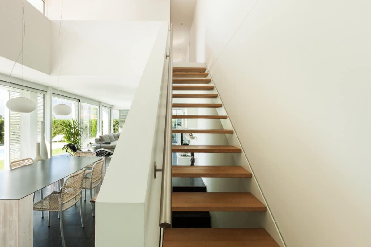 escalier ouvert rampe fermée