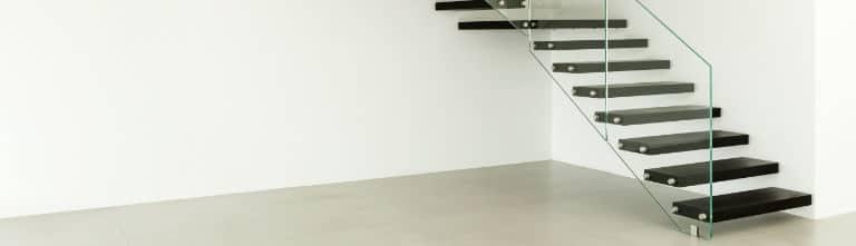 escalier bois peinture