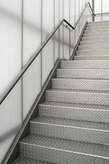 escalier cave metallique